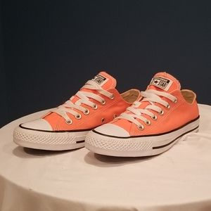 Preowned Converse size7m